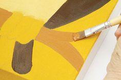 Com a tinta acrílica terra de siena natural e o pincel nº 424-14, componha o tronco.