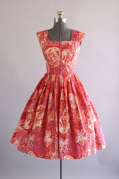 Vintage 1950s Dress / 50s Hawaiian Dress / Pink and Orange Tropical Hawaiian…