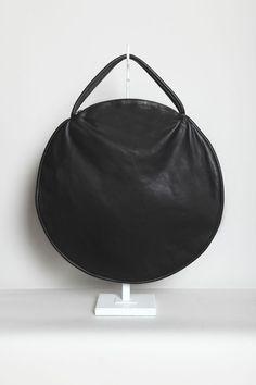 by Jasmin Shokrian   .....I so want this bag