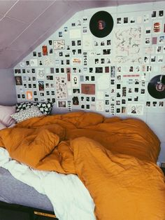 This kind of apartment bedroom seems entirely fantastic, must bear this in mind the next time I've a little money saved. room inspo Duvet Covers for Any Bedroom Decor Cute Room Decor, Teen Room Decor, Bedroom Decor, Bedroom Pics, Bedroom Ideas, Bedroom Inspo, 50s Bedroom, Bedroom Pictures, Bedroom Inspiration