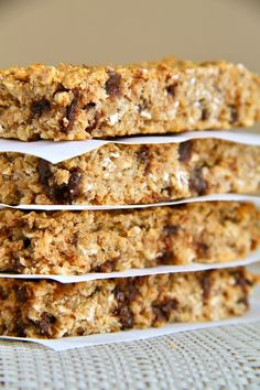 Soft and Chewy Protein Granola Bars -- easy, healthy, homemade granola bars that the whole family will love! Naturally gluten-free and easily made vegan || runningwithspoons.com
