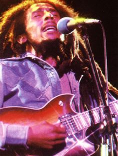 *Bob Marley* More fantastic pictures and videos of *Bob Marley & The I-Threes* on: https://de.pinterest.com/ReggaeHeart/