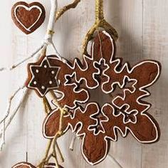 Extra many hazelnuts and almonds make Elisen gingerbread particularly good. Rike D … - Christmas Ideas Christmas Kitchen, Christmas Baking, Sugar Cookies Recipe, Cookie Recipes, Xmas, Christmas Ornaments, Christmas Ideas, Biscuit Cookies, Kakao
