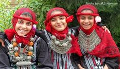 Yemeni girls dressed for a wedding