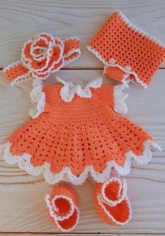 Crochet Baby Dress Free Pattern, Crochet Shawl Diagram, Baby Girl Crochet, Crochet Toys Patterns, Stuffed Toys Patterns, Knitting Patterns, Crochet Baby Dresses, Crochet Rabbit, Crochet Bunny