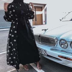 Made a habit of shutting down conversations that involve hating or other people ➖ Don't waste my time 💅🏽 Iranian Women Fashion, Arab Fashion, Islamic Fashion, Muslim Fashion, Hijab Style Dress, Modest Fashion Hijab, Fashion Dresses, Hijab Chic, Mode Kimono