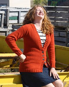 Boyfriend cardigan...free pattern by Stefanie Japel on Knitty.com