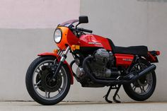 Ideas For Vintage Bike Men Moto Guzzi Ducati, Honda Cb750, Le Mans, Moto Guzzi Motorcycles, Vertical Bike, Mountain Biking Women, Bike Drawing, Bike Logo, Indian Motorycles