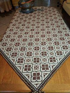 Cross Stitch Flowers, Cross Stitch Designs, Cross Stitch Embroidery, Diy And Crafts, Crochet, Fabric, Table Runners, Hardanger, Punto De Cruz