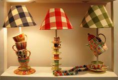 Os abajures da Luzearte são feitos a partir de canecas, xícaras e outras