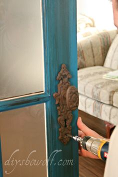 I absolutely LOVE this rustic hardware on this door! I have to keep my eyes peeled for them!
