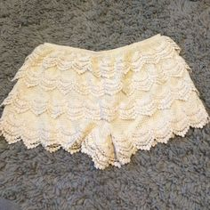 Cream shorts Cream ruffled crotchet material shorts. from Pacsun, kirra brand. size large. worn once great condition! PacSun Shorts