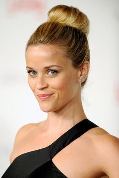Reese is wearing the Ballerina Bun like a star. I'm inspired!