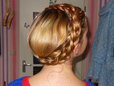 Hair turorial on how to make a crown braid