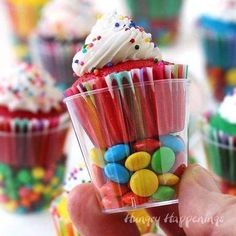 Mini Cupcakes in Candy Filled Shot Glasses are the perfect sized treats to serve at a kid's birthday party. Birthday Desserts, Birthday Treats, Party Treats, Birthday Cupcakes, Mini Desserts, Party Snacks, Christmas Desserts, Easy Desserts, Birthday Parties