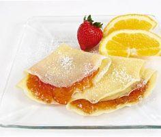 Crepe light de laranja  Prepare a massa batendo na batedeira 1 copo de leite desnatado  ½ xíc. de farinha de trigo, 1 col. (sobrem.) de adoçante, 1ovo, raspas de laranja, leve ao congelador de 30 a 60 minutos.  Na frigideira untada com margarina light, faça os crepes bem finos.  Prepare o recheio juntando em uma panela ½ copo de suco de laranja, ½ copo de leite desnatado, 1 col. de amido de milho, 1 gema e leve ao fogo até formar um creme.