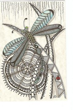gorgeous use of pattern & a touch of color wow, zentangle dragonfly! Doodles Zentangles, Tangle Doodle, Zen Doodle, Zentangle Patterns, Doodle Art, Zantangle Art, Female Dragon, Dragon Lady, Dragonfly Art