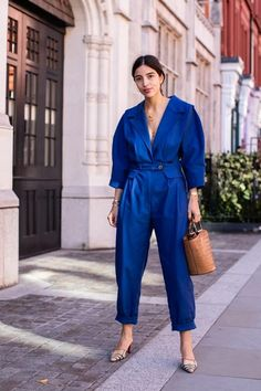 Blue Fashion, Colorful Fashion, Fashion Week, Look Fashion, Fashion Outfits, Fashion Design, Best Street Style, Kendall Jenner Style, Inspiration Mode
