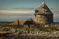 https://travelezeuk.wordpress.com/2016/03/12/an-award-winning-holiday-destination-island-of-bornholm/