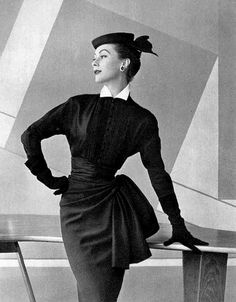Gigi in navy wool skirt draped and caught at the hip, worn with silk surah blouse with small white collar by Pierre Balmain, photo by Pottier, 1953 Foto Fashion, Fashion Moda, Fashion History, Womens Fashion, Fashion Trends, Ladies Fashion, Moda Retro, Moda Vintage, Vintage Mode