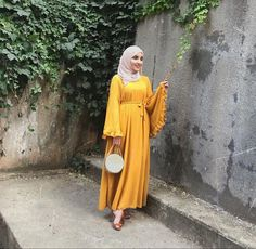 Best Dressed Hijab Fashion Instagram Influencers This Summer - image@_arabian__girl - Check Out The Best Dressed Instagram Bloggers This Summer And Get Great Inspiration On Casual Summer Outfits, Casual Simple Hijab Outfits, Casual Classy Hijab Looks, Street Style Hijab Fashion, Summer Long Dress Inspiration, Long Skirt Outfit Ideas With Hijab And Much More. #hijabfashion #hijabioutfitscasual #hijaboutfit #instagramfashion #summerstyle #muslimahfashion