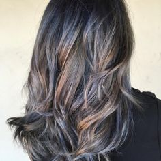 Can't stop looking at this! On pre-lightened, level 8 hair, @birdhousehair pre-toned using #KenraColor Rapid Toner SV and 10SM/8B. Root: Equal parts Demi 8SM/Clear/Blue Booster. Ends: Demi 7VM/Clear/Violet Booster. #MetallicObsession #Kenra #SilverHair
