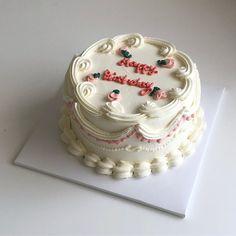 donut mug cake Pretty Birthday Cakes, Homemade Birthday Cakes, My Birthday Cake, Pretty Cakes, Beautiful Cakes, Pastel Cakes, Cute Desserts, Dessert Decoration, Just Cakes