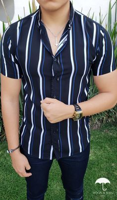 Mens Fashion Blazer, Tomboy Fashion, Sophisticated Outfits, Stylish Outfits, Outfits For Teenage Guys, Mens Clothing Trends, Vertical Striped Shirt, Formal Men Outfit, Formal Shirts