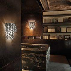 Piccoli anelli in vetro di murano lavorati a mano incastonati tra loro per creare una composizione davvero speciale!