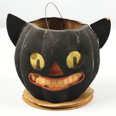 86: Paper Mache Cat Jack-O-Lantern with Pointed Ears. : Lot 86