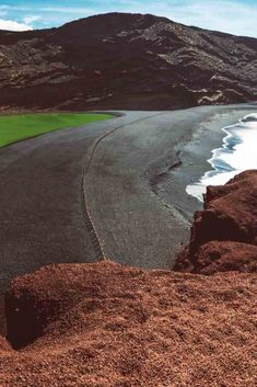 Lanzarote con niños: Qué Hacer y Mejores Planes - Insider Guides Country Roads, Travel, Things To Do, Wonders Of The World, Natural Playgrounds, Volcanoes, National Parks, Getting To Know, Lanzarote