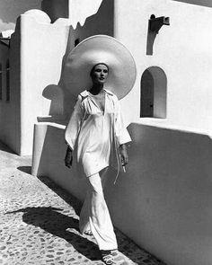 Louise Dahl-Wolfe (1964) Harpers Bazaar