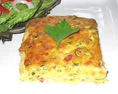 Simple, healthy and oh-so-easy, this zucchini slice recipe makes a quick dinner or healthy lunch box snack for kids who won't eat sandwiches. Lunch Box Recipes, Breakfast Recipes, Lunchbox Ideas, Crockpot Recipes, Cooking Recipes, Healthy Recipes, Easy Recipes, Easy Zucchini Slice, Zuccini Slice