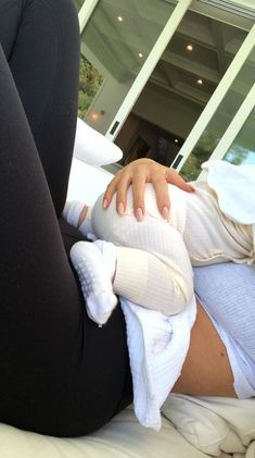 Image uploaded by Joanna Lag. Find images and videos about baby, kylie jenner and family on We Heart It - the app to get lost in what you love. Cute Family, Baby Family, Family Goals, Baby Momma, Baby Kind, Little Babies, Cute Babies, Cute Baby Pictures, Beautiful Pictures