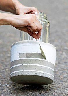 garden in pots Bild - Dekoration Selber Machen Cement Art, Concrete Cement, Concrete Crafts, Concrete Design, Painting Concrete, Diy Lego, Do It Yourself Decoration, Diy Concrete Planters, Wall Planters