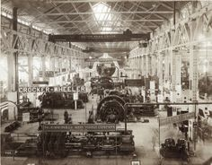 View of exhibits in the Palace of Machinery at the 1904 World's Fair.