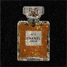 oliver gal-love some of his fashion art. Would like to buy a piece when I get my 'woman's room' someday. Chanel Art, Chanel No 5, Coco Chanel, Oliver Gal Art, Mode Poster, Chanel Wallpapers, Perfume Display, Beautiful Perfume, Breakfast At Tiffanys