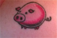 hehe I wanna get this with a money sign :) piggy bank Mini Tattoos, Body Art Tattoos, Cool Tattoos, Tatoos, Small Pigs, Pig Drawing, This Little Piggy, Future Tattoos, Skin Art