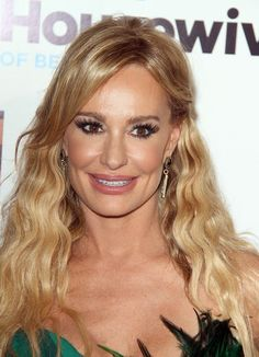 It's unusual that any cast member on Bravo's Real Housewives of... series takes the high road and apologizes for past wrongs--actually, now that I think of it, Taylor Armstrong may be the first!