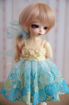 Vanilla & turquoise sea shells dress for TINY bjd by frezje