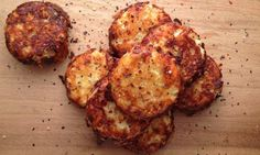 Crispy Cauliflower & Cheese Bites Recipe - Get the party started with this delicious appetizer! Crispy cauliflower bites with ooey-gooey cheese. Low Carb Recipes, Diet Recipes, Vegetarian Recipes, Snack Recipes, Cooking Recipes, Healthy Recipes, Delicious Recipes, Cheese Recipes, Recipes Dinner