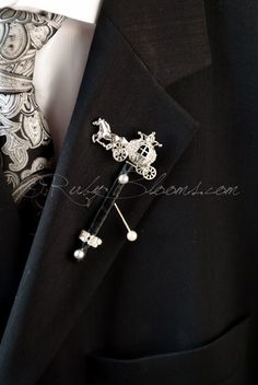 Ruby Blooms is pleased to offer you Made to Order - Unique, Elegant and Stylish Wedding Boutonniere - Designed for Groom, Best man, Prom, Ring bearer and any member of Your Special Event Party! It is
