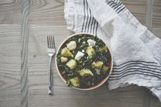 SPICY KALE SALAD WITH HARISSA VINAIGRETTE // The Kitchy Kitchen