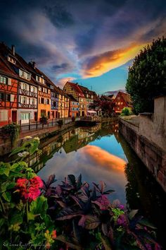Atardecer en Colmar,  Francia