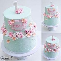 « LOVE this Beautiful First Birthday Cake by @apocketfullofsweetness ________________ Happy Birthday…»
