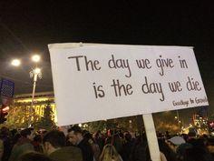 Generația Facebook își cere dreptul la viață - politicstand.com