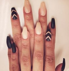 I usually hate these types of nails, but something about these look kinda cool