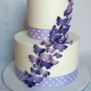 A place for people who love cake decorating. Butterfly Cakes, Love Cake, Cake Decorating, Desserts, Food, Tailgate Desserts, Deserts, Meals, Dessert