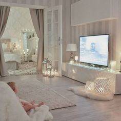 My little Livia loves to sit with her bare feet on this soft blanket in our living room … - Interior Design Interior Design Living Room, Living Room Decor, Bedroom Decor, Decor Room, Suites, My New Room, House Rooms, Home And Living, Room Inspiration