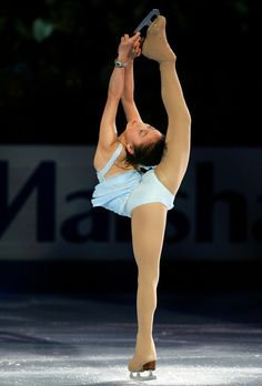 Caroline Zhang | Caroline Zhang Caroline Zhang performs in an exhibition during the ...
